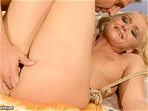 super-fucking-hot Kathia Nobili gets her puss packed with spear