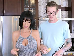 insane mother Veronica Avluv plumbing her sons-in-law ultra-kinky mate