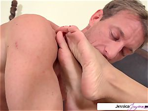Jessica Jaymes is well-prepped and ultra-kinky to get pummeled by Ryan