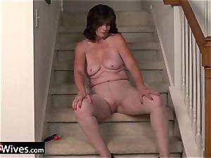 USAWives mature female Jade solo masturbation