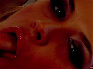 Sarah Vandella uncovers her brilliantly plump globes