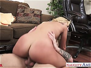 ultra-cutie platinum-blonde Carmen Caliente plowing