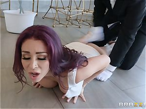 Monique Alexander rails on top