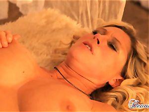 Devon Lee gets her slit stabbed by a monster salami
