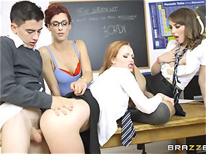 fortunate college girl Jordi gets into three super-steamy vags at college