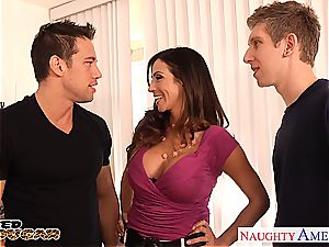 cougar Ariella Ferrera needs two knobs to nail her decently
