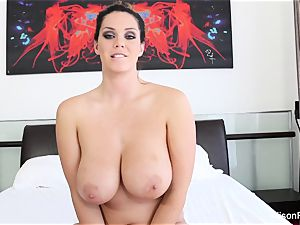 Interview with big-boobed cutie Alison Tyler