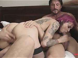 first-ever time Anna Bell Peaks in group pornography takes two spunk-pumps in one slot