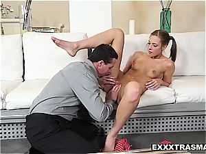 Stepdaughter Molly learns to have intercourse