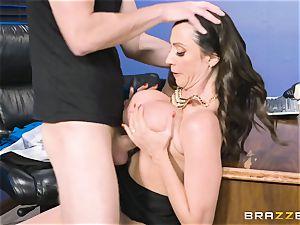 booty fuckin' milf Ariella Ferrera in the office