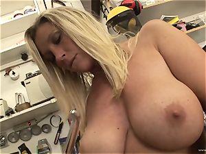 molten Devon Lee luvs teasing her tastey humid bud
