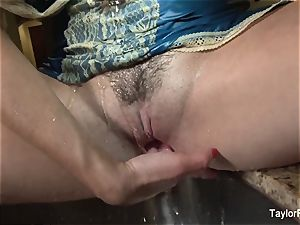 Taylor Vixen plays with her twat in the kitchen bury